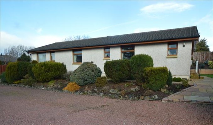 Glasgow Road, Strathaven, ML10 6RS